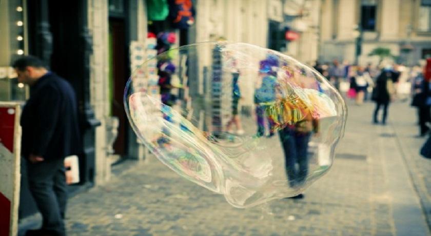 burbuja en la carretera